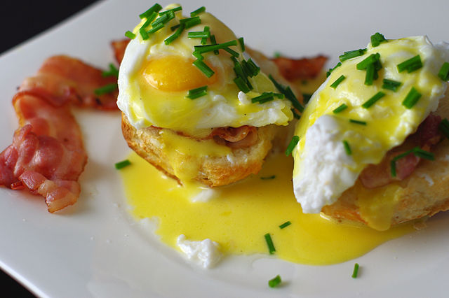 Image of Eggs Benedict from wikimedia via Flickr